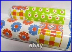 2 Double Rolls Vintage 1970s Wallpaper Colorful FLOWERS Daisy Floral Patchwork