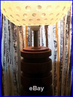 60s 70s Stylish Vintage Retro Mid Century Modernist teak table lamp