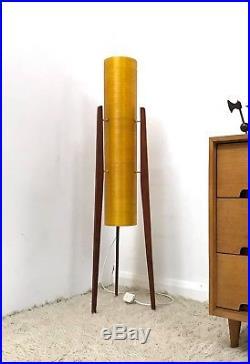 70s Stylish vintage Retro Mid Century Italian Space Age Guzzini Bud floor lamp