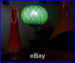 Mid Century Modern 1960s RETRO GREEN Spun Lucite Wood Base Table Lamp Vintage