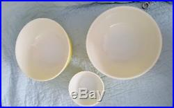 SET 3 RARE VINTAGE YELLOW PYREX ROUND MIXING BOWLS 401 2/404 retro mid century