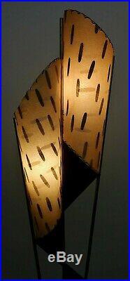 STUNNING Vtg 50s ATOMIC Mid CENTURY Retro MAJESTIC Floor LAMP withFiberglass SHADE
