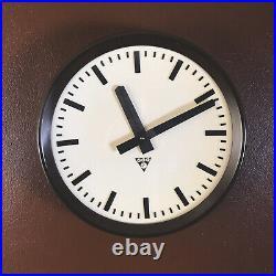 Vintage Industrial Pragotron Bakelite Round Wall Clock Mid Century Retro 1960s