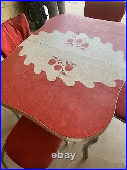 Vintage Kitchen Table And 4 Chairs