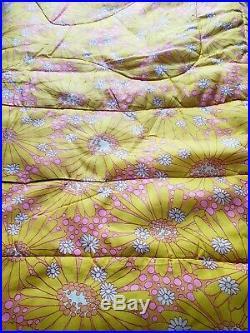 Vintage Mid Century Floral Bedspread Comforter MCM 60 70s Retro Mod Floral Daisy